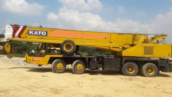 Kato 45 Ton Truck Crane